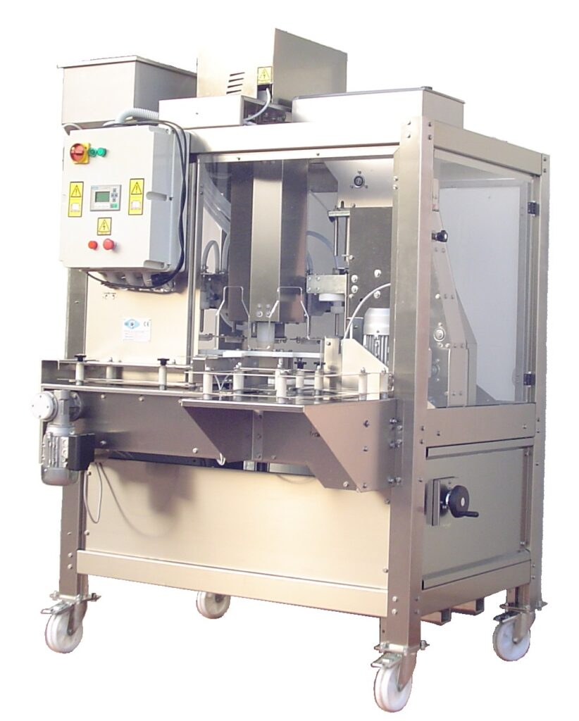 Automatic monoblock for wine and oil bottles