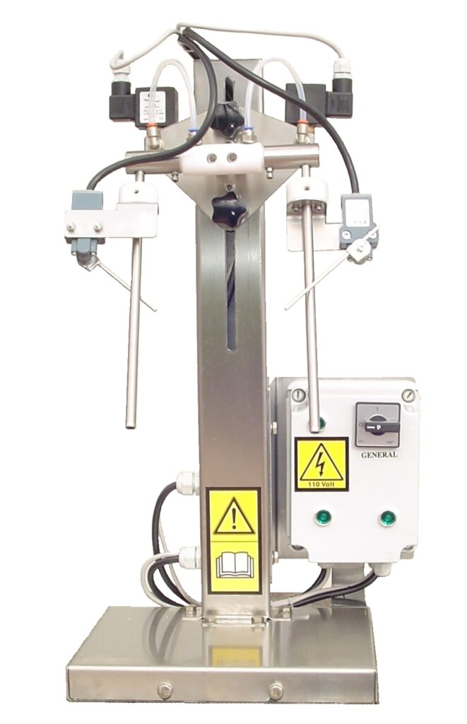 Filling machine for wine and oil bottles